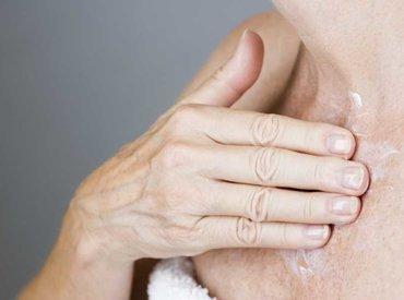 Чи стає вищим ризик розвитку раку шкіри в період менопаузи?