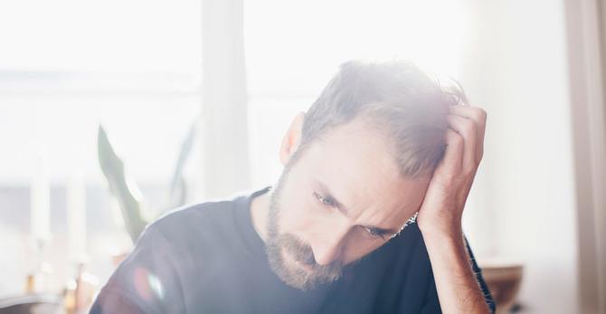 Як заспокоїти свербіж голови та уповільнити випадіння волосся