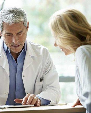 Відвідування гінеколога в період менопаузи: як часто треба це робити?